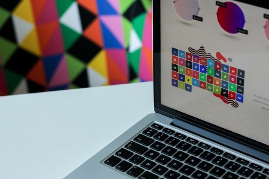 How to Choose the Right Graphic Design Software for Your Company - DRAWTIFY